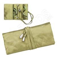 Стилно калъфче за пренасяне на бижута в маслено зелено